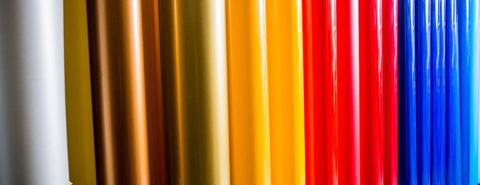 Vasta gamma di colori per adesivi in pvc